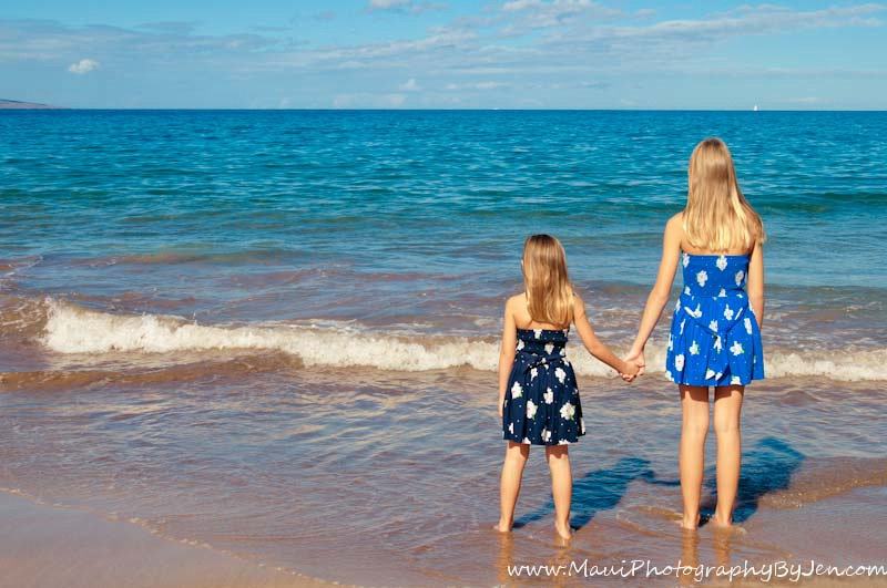 sisters by maui photographer