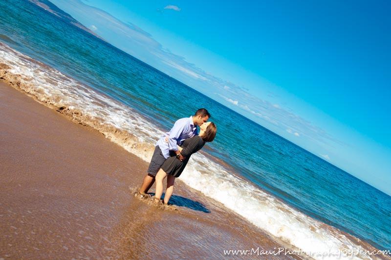 maui photography with couple on honeymoon