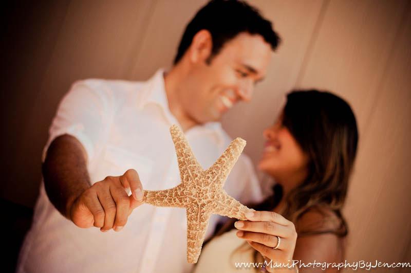 maui photographer with couple on honeymoon