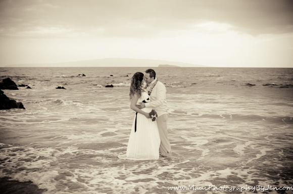 photography in maui honeymoon couple in the ocean