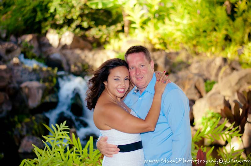 photographer in maui with couple at the grand wailea resort on anniversary