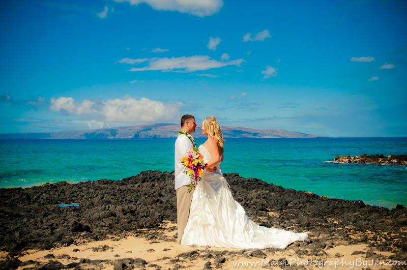 maui wedding photographers at makena secret beach