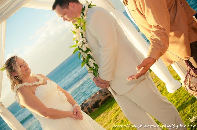 maui wedding photography in kapalua