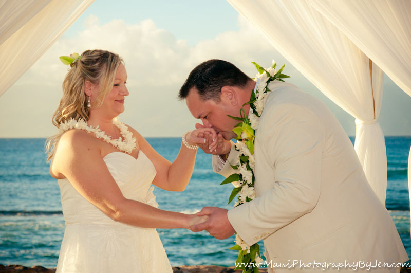 maui wedding photographer at the westin in kaanapali