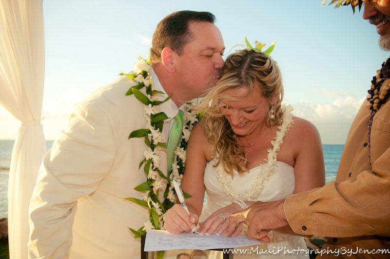 maui wedding pics by photographer