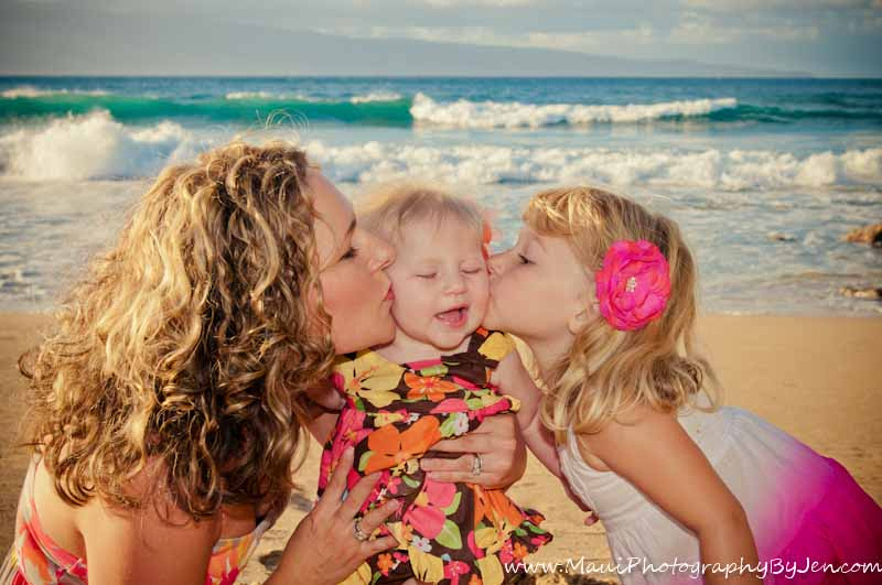 maui family photography with mother and kid daughters