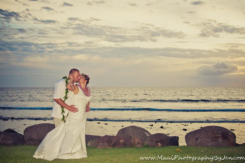 maui wedding photographers on the beach lahaina