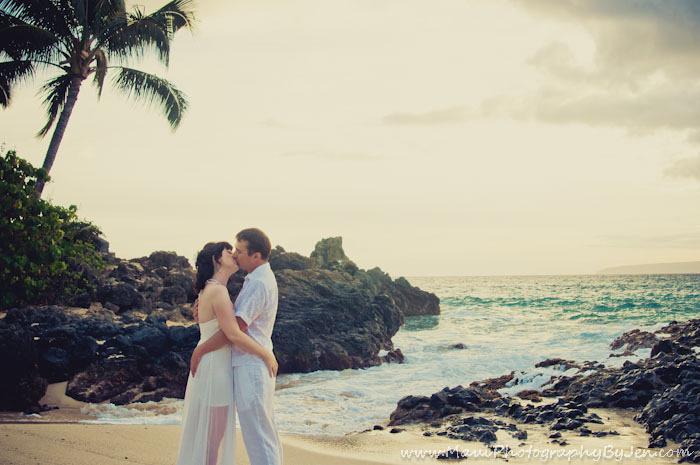 maui photography honeymoon in makena