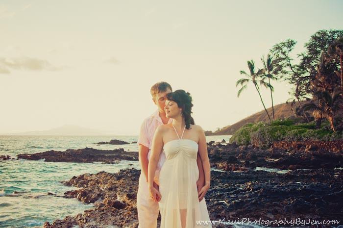 maui photographers on honeymoon