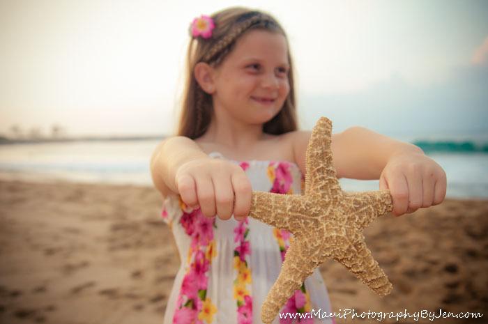 maui photography girl with starfish creative