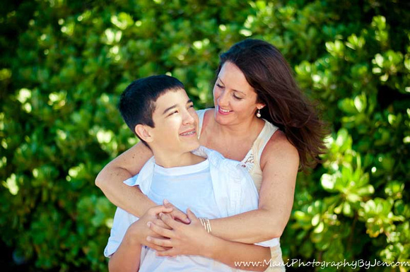 maui family photography moment with a mother and her son