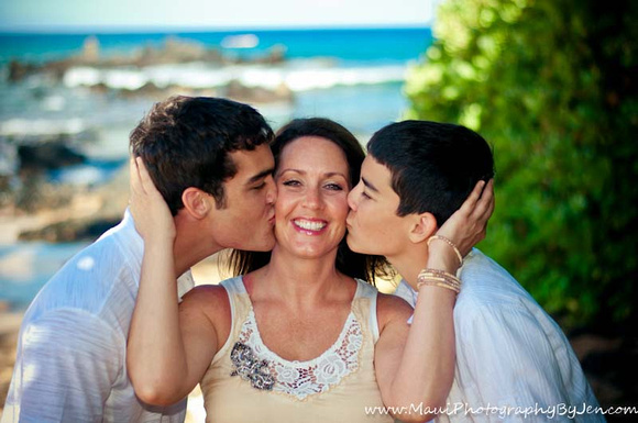 maui photography of mother and sons