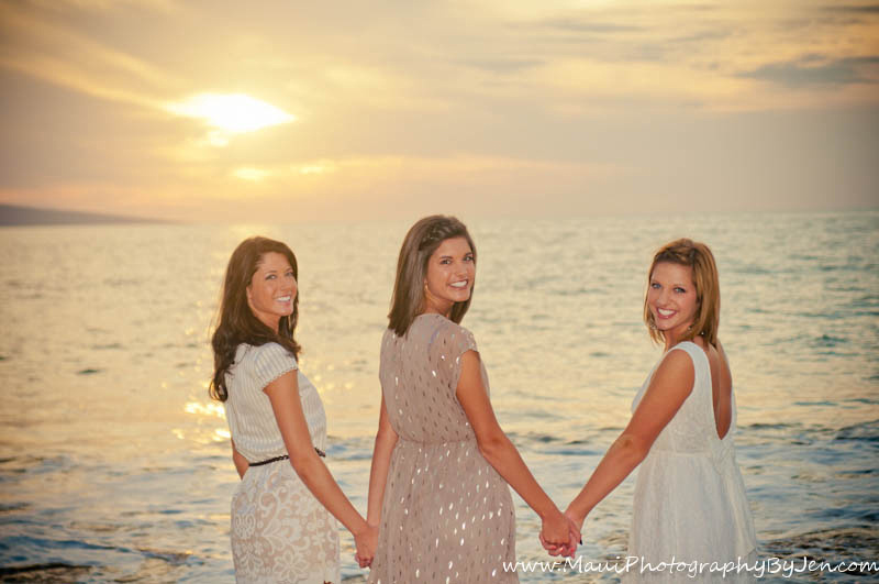 photographer in maui with sisters
