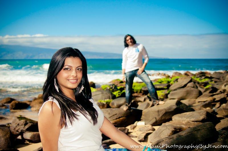maui photographer with modern couple
