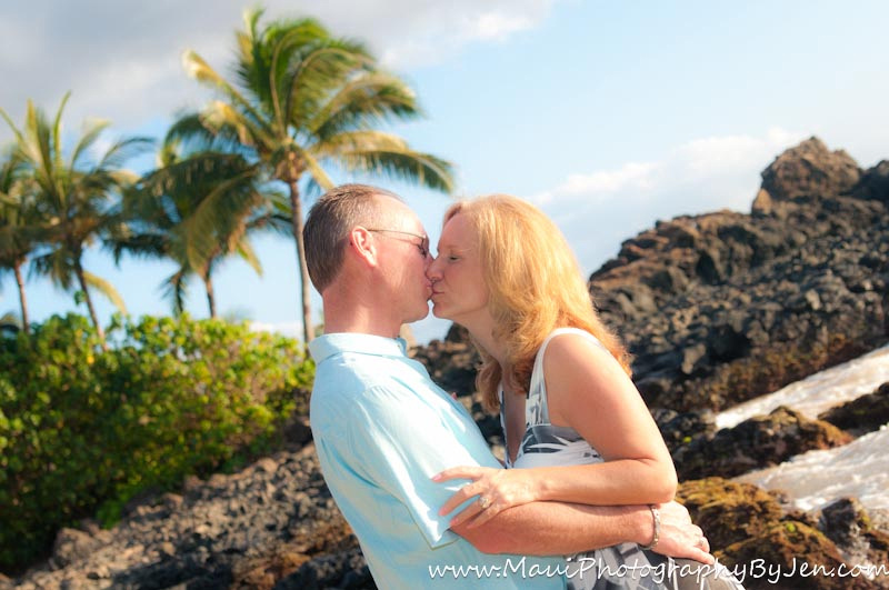 Photography in maui with couple on anniversary