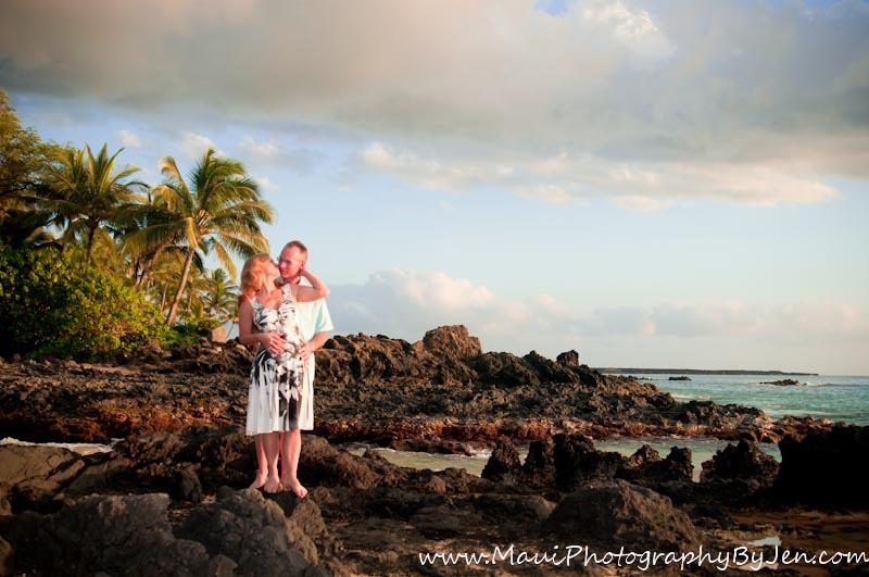 maui photographer in secret beach couple