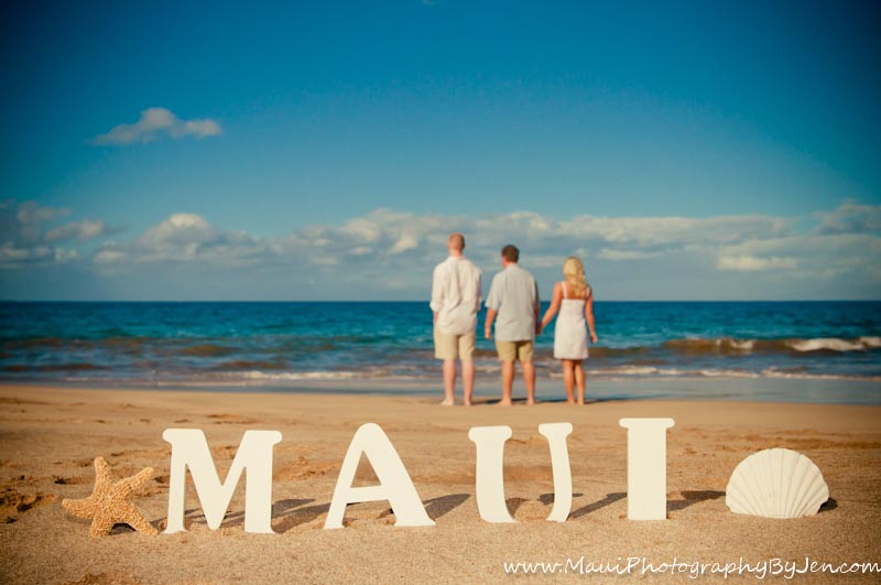 maui photography family holding hands