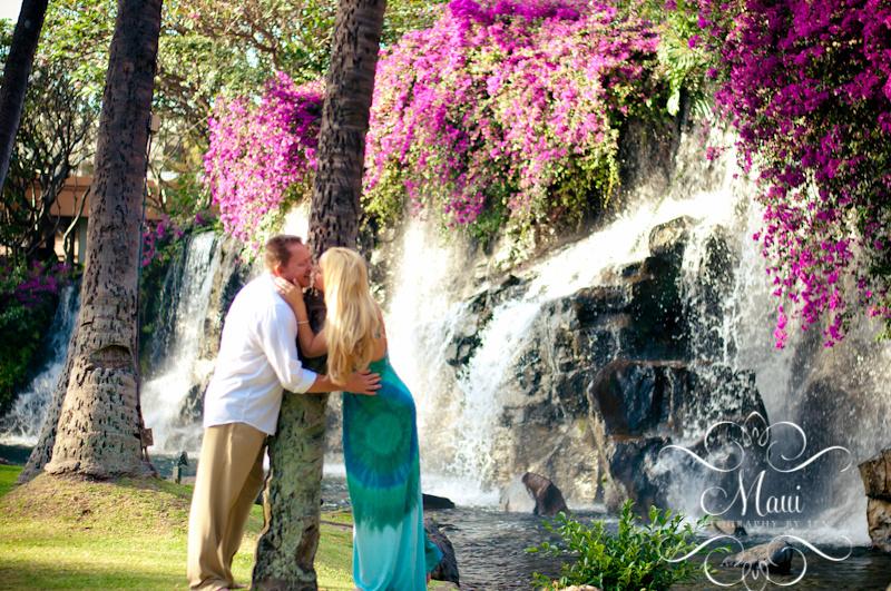 maui photographer of couple at grand wailea