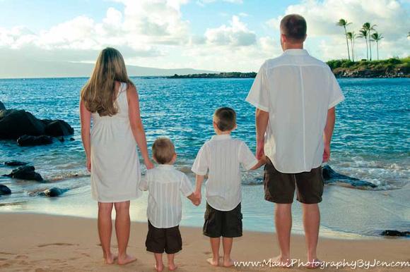 maui family beach photography in kaanapali