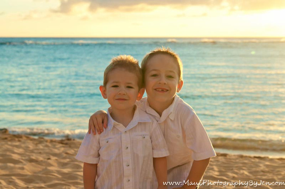 maui sunset with boys taken by lahaina photographer