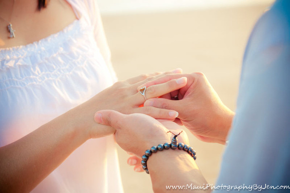 vow renewals maui by photographer