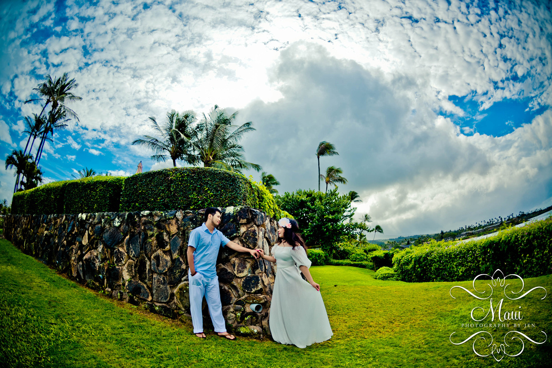 Photographer in Maui Honeymoon Beach Lahaina