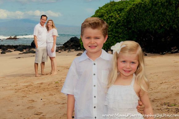 maui family photography with young kids