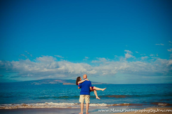 couples photography in maui at kaanapali beach
