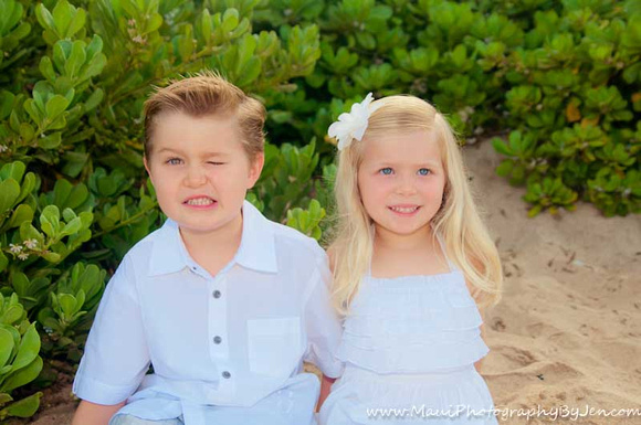 silly kids by maui photographer