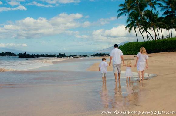 photography maui hawaii with palm trees and white sand