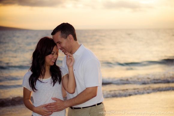 maui photography of couple in love at sunset