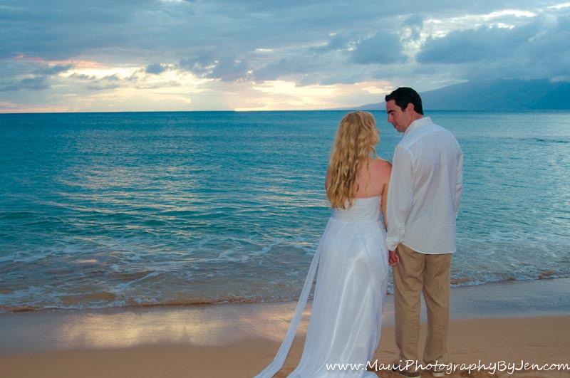 wedding photography maui on the beach