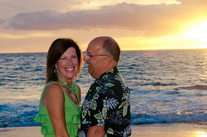 couple on anniversary maui portraits