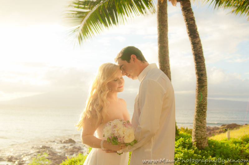maui wedding photographer in makena