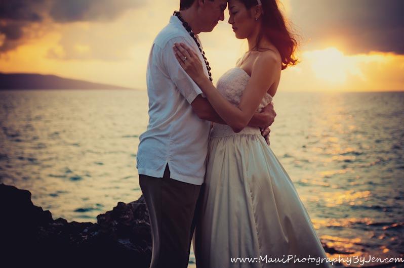 maui photographers at sunset wedding