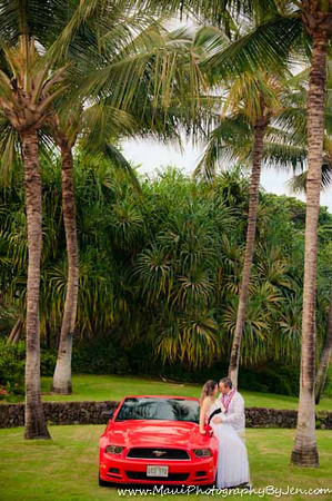 maui photographer with couple and mustang car