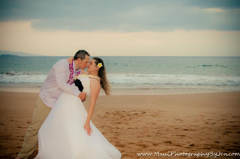 maui photographer with honeymoon couple on the beach