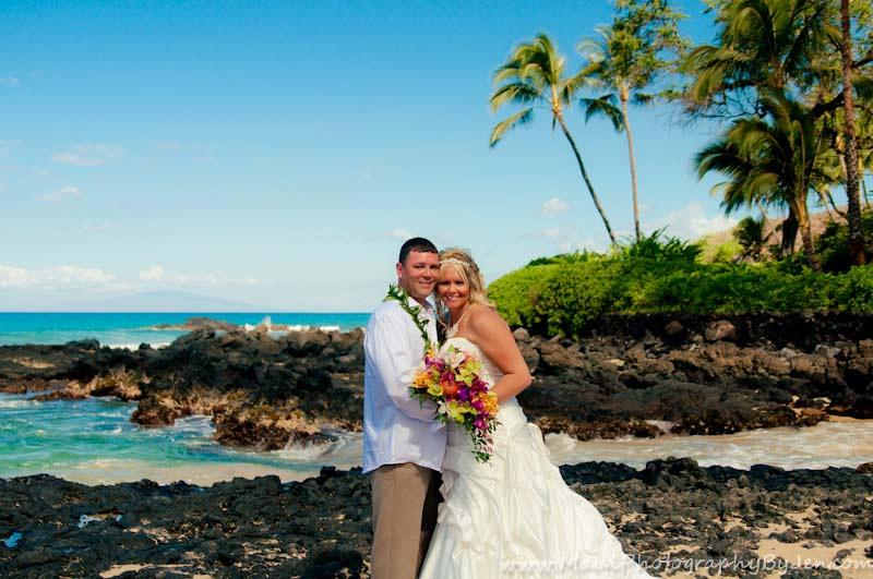 maui wedding photographers on the beach