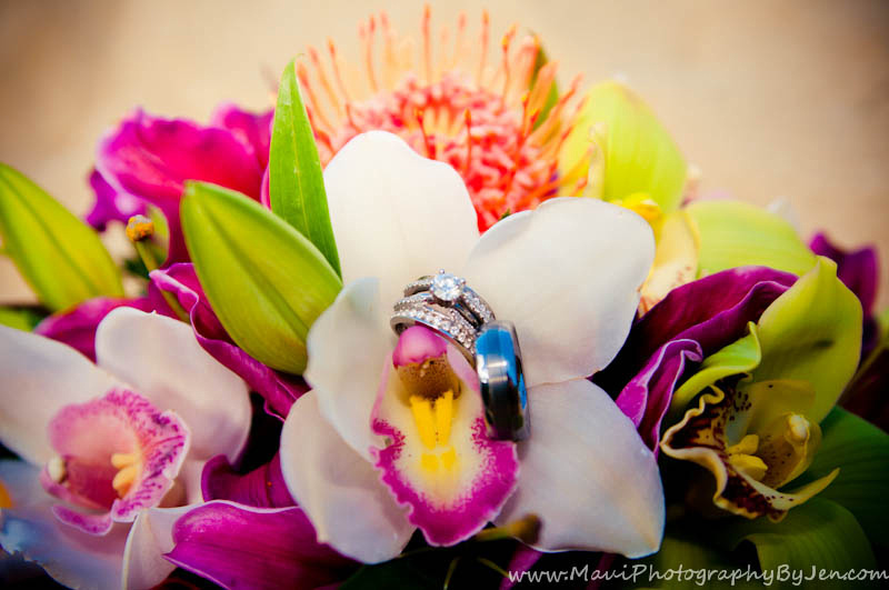 maui wedding flowers by photographer