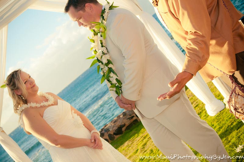 maui wedding photography in kapalua