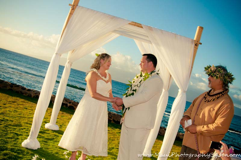 maui wedding photographer at the grand wailea
