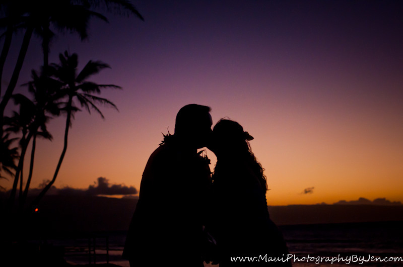 maui wedding photography at sunset