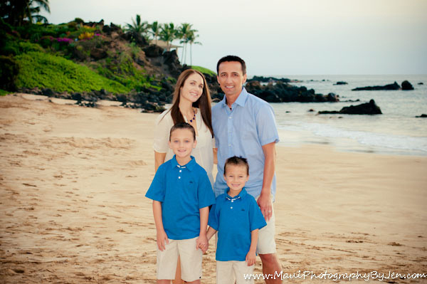 maui photographers family beach portraits