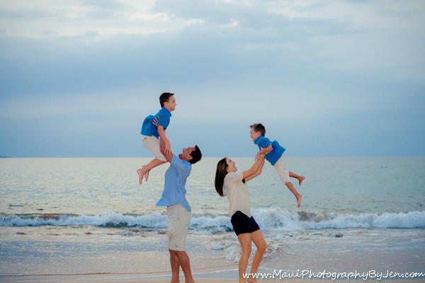 maui family photographers on the beach