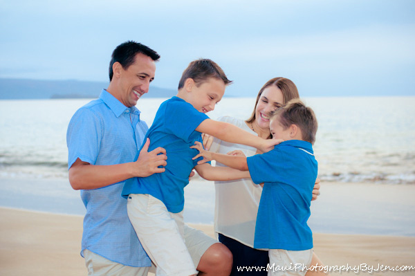 maui family photographer candid