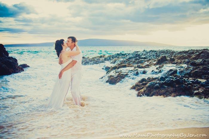 maui photographers in kihei for honeymoon couple