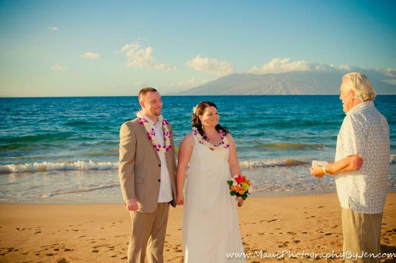 maui wedding photography on the beach