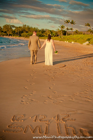 wedding photography in maui of footprints
