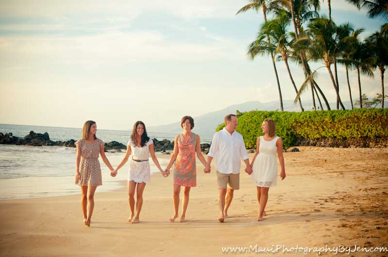 maui photography family walking on the beach