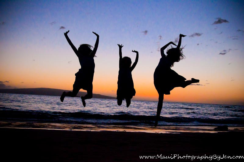 maui family photographers silhouette kids